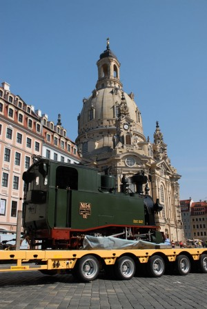 Replica of the first Saxon narrow-gauge train I K No. 54 at the Church of Our Lady (Frauenkirche), Dresden