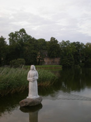 "The ""Beautiful Nun"" (Schöne Nonne) statue, Lindow"