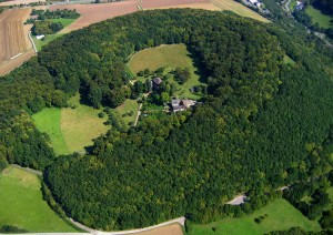 The Bausenberg Conservation Area near Niederzissen: cinder cone and horseshoe-shaped crater