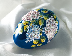 Glass egg