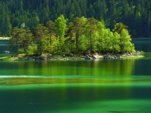 Near Garmisch-Partenkirchen: Lake Eibsee