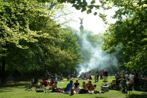 Berlin, Barbecue in Tiergarten Park
