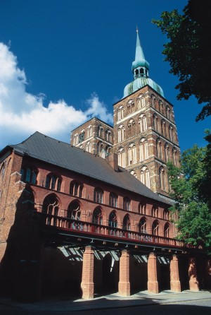 Stralsund, Back view of Town Hall, dominated by St. Nicholas' Church