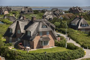 Island of Sylt: Rantum, Frisian houses with reed-thatched roof