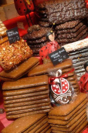 Aachen, old-fashioned Christmas gingerbread cookie