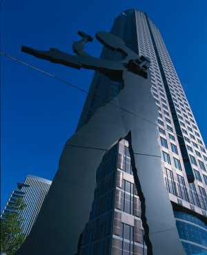 Frankfurt am Main, trade fair tower and hammering man statue