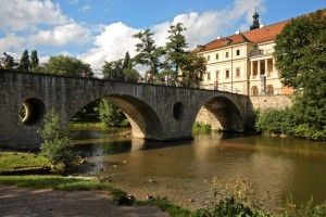 Weimar Palace and bridge